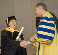 Beverly Long receives honorary degree at the 2007 Emory University commencement ceremony.