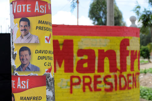 Presidential candidate Manfred Reyes-Villa enjoys support in Cochabamba.