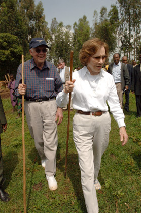 Former U.S. President Jimmy Carter and former First Lady Rosalynn Carter during a visit to the village of Mosebo to commend the efforts of the Amhara Region to prevent trachoma.