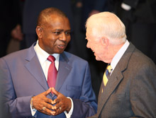 Photo of Malian Minister of Justice Maharafa Traoré and President Carter at the International Conference on the Right to Public Information.